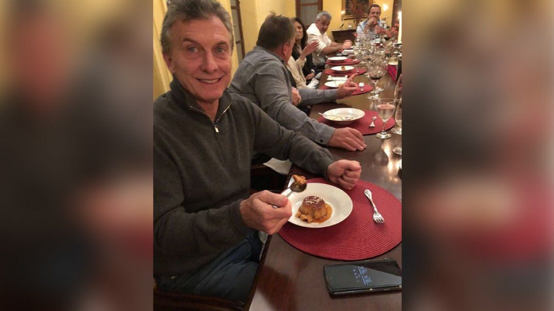 Macri subió una foto comiendo un flan: ¿guiño a Alfredo Casero?