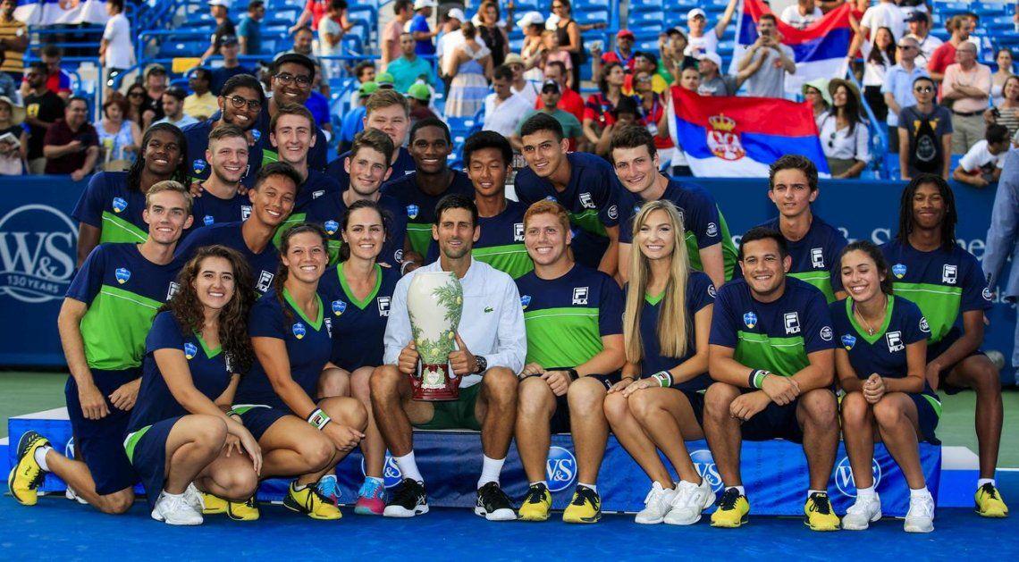 Histórico: Djokovic sumó ante Federer la copa que faltaba en su colección
