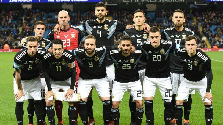Quién es el futbolista de la Selección que tiene las horas contadas en su club