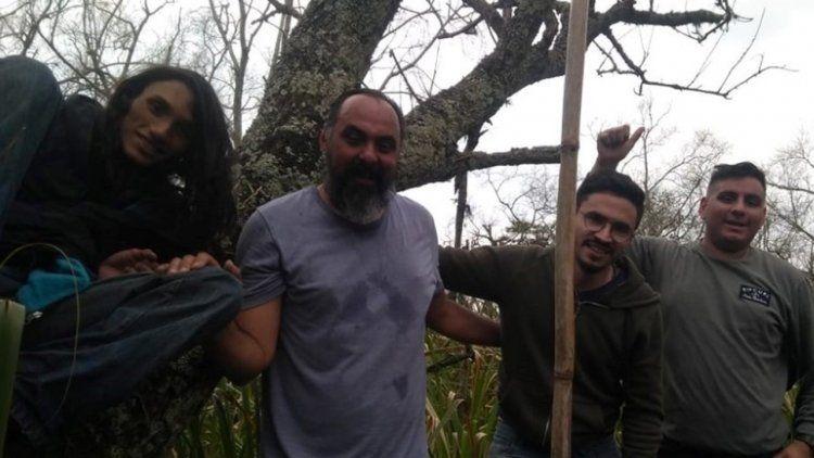 El cinematográfico rescate de los pescadores en el pantano de Berazategui