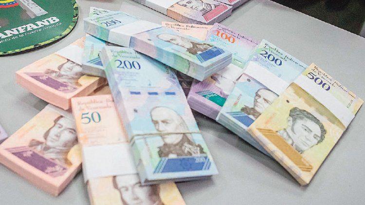 Venezuela estrenó billetes para paliar la fuerte crisis