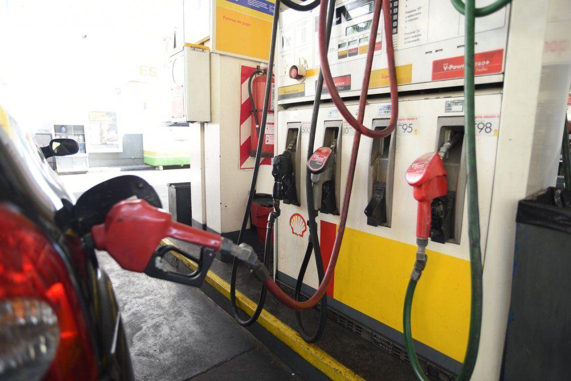 Aumento de combustibles: subió el precio del crudo y algunas petroleras estiman un nuevo incremento