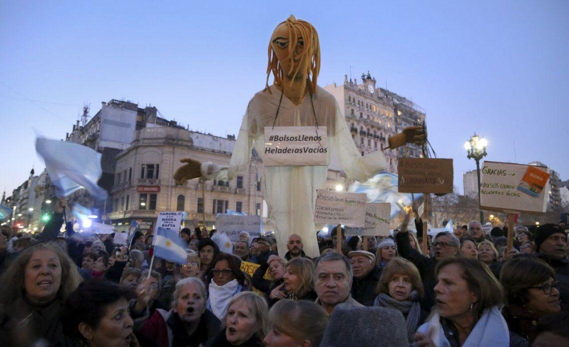 Una multitud reclamó frente al Congreso el desafuero y la detención de Cristina Kirchner