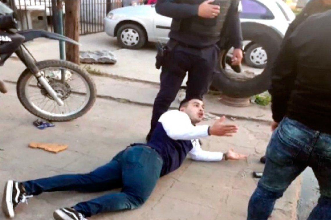 Custodio ministerial confundió a policía con un ladrón y lo mató