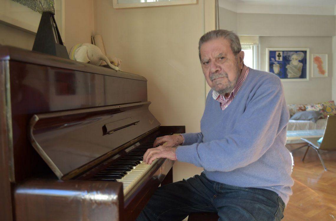 Para Rubén cantar tangos es también  otra forma de contar una historia