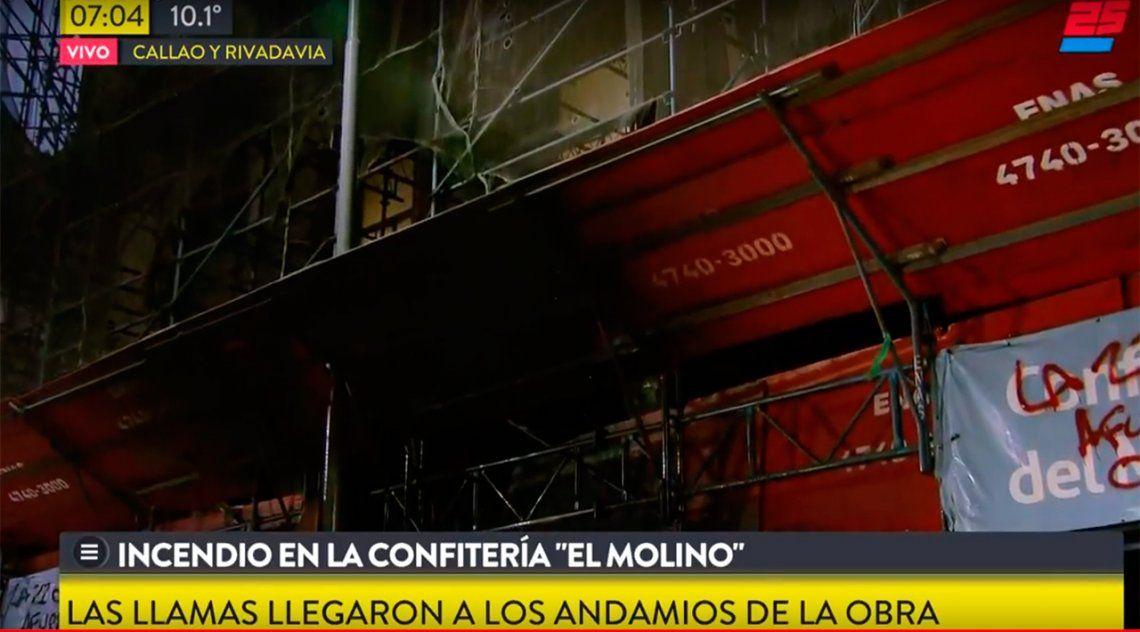 Incendio en la histórica confitería El Molino