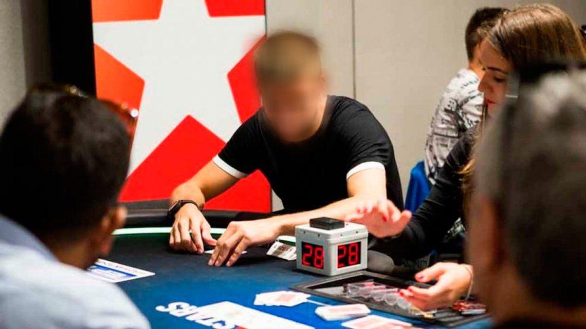 ¿Qué jugador de Barcelona perdió unos 24.000USD apostando al póker en un par de horas?