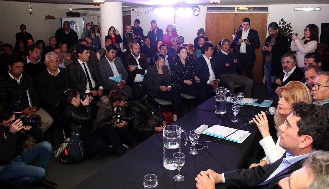La FAM reunió a 150 intendentes por la eliminación del fondo sojero