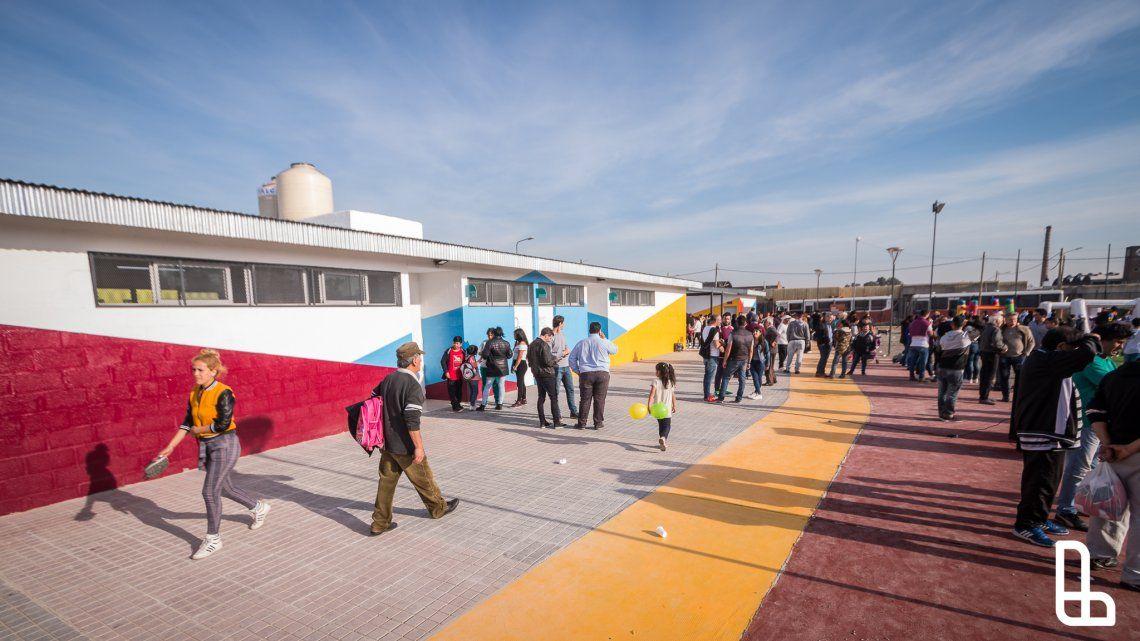 Grindetti inauguró el Polideportivo Malvinas Argentinas en Villa Jardín
