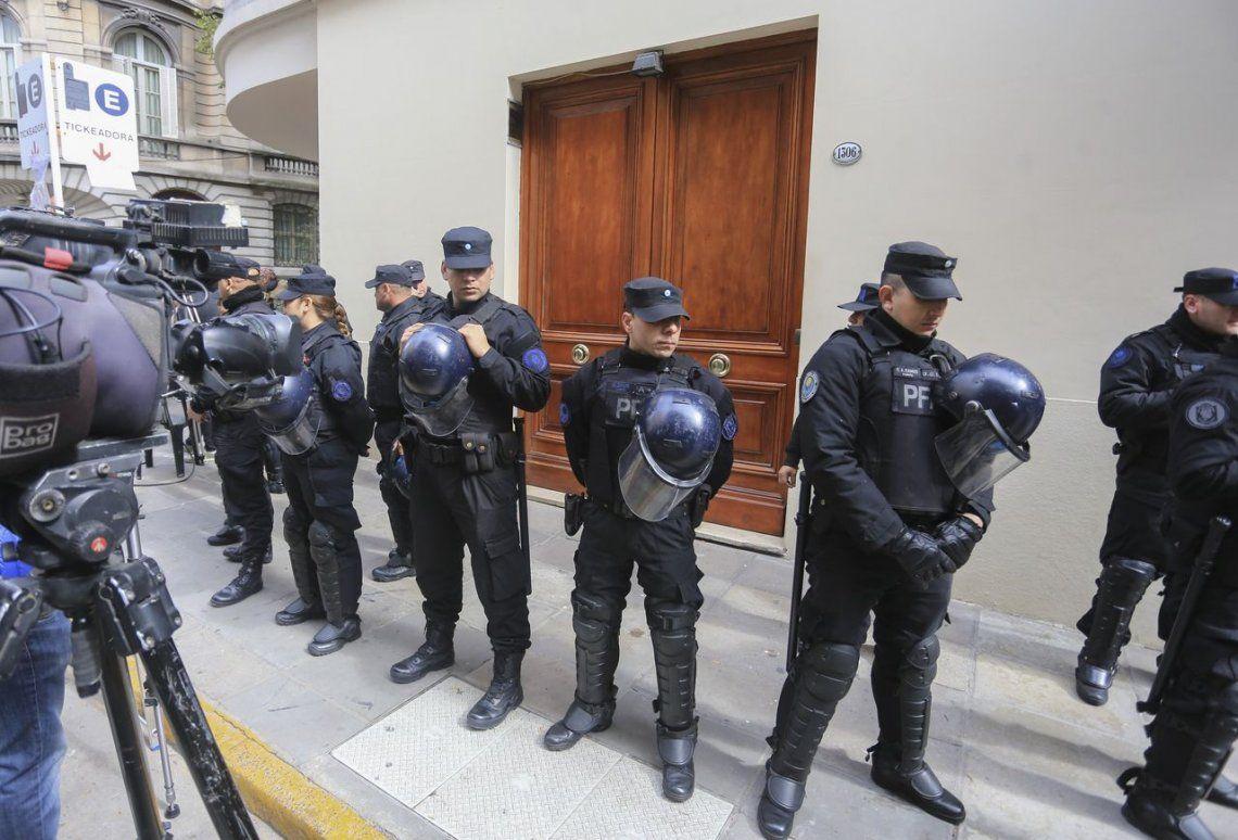 Qué dice el Código Penal sobre la presencia de abogados en un allanamiento
