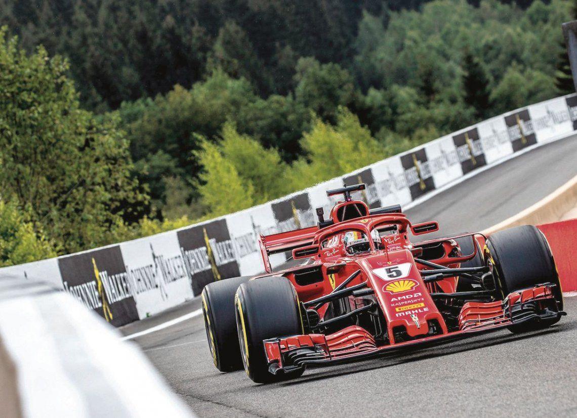 En la F-1, las Ferrari volvieron renovadas de las vacaciones