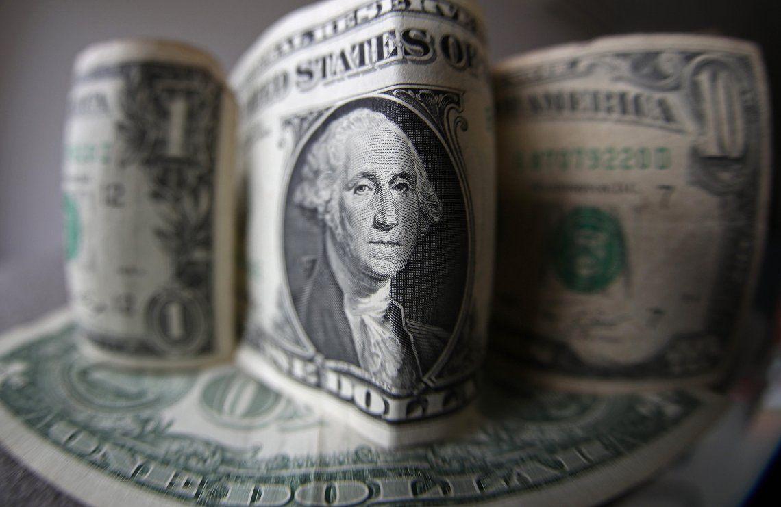 El dólar comenzó la semana en alza y volvió a superar los $38