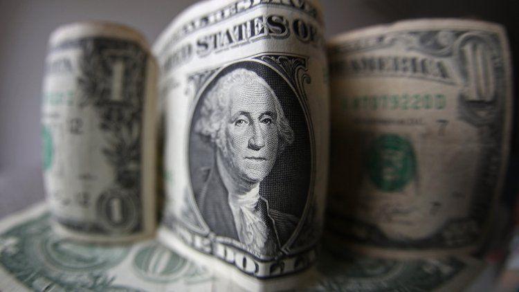 El dólar pegó un salto tras la renuncia de Luis Caputo