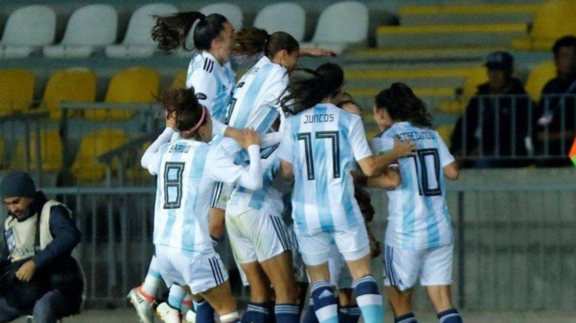 Buscan garantizar la televisación libre y gratuita de la Selección femenina