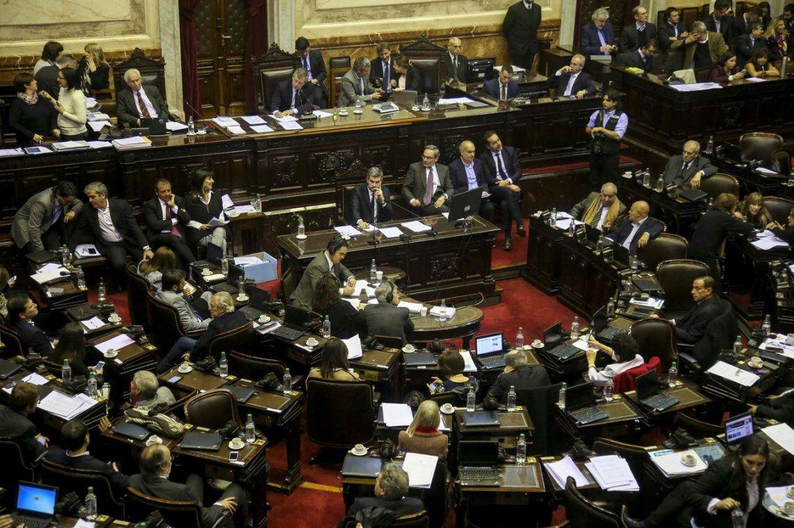La oposición se une para frenar el pago adicional  a la tarifa del gas
