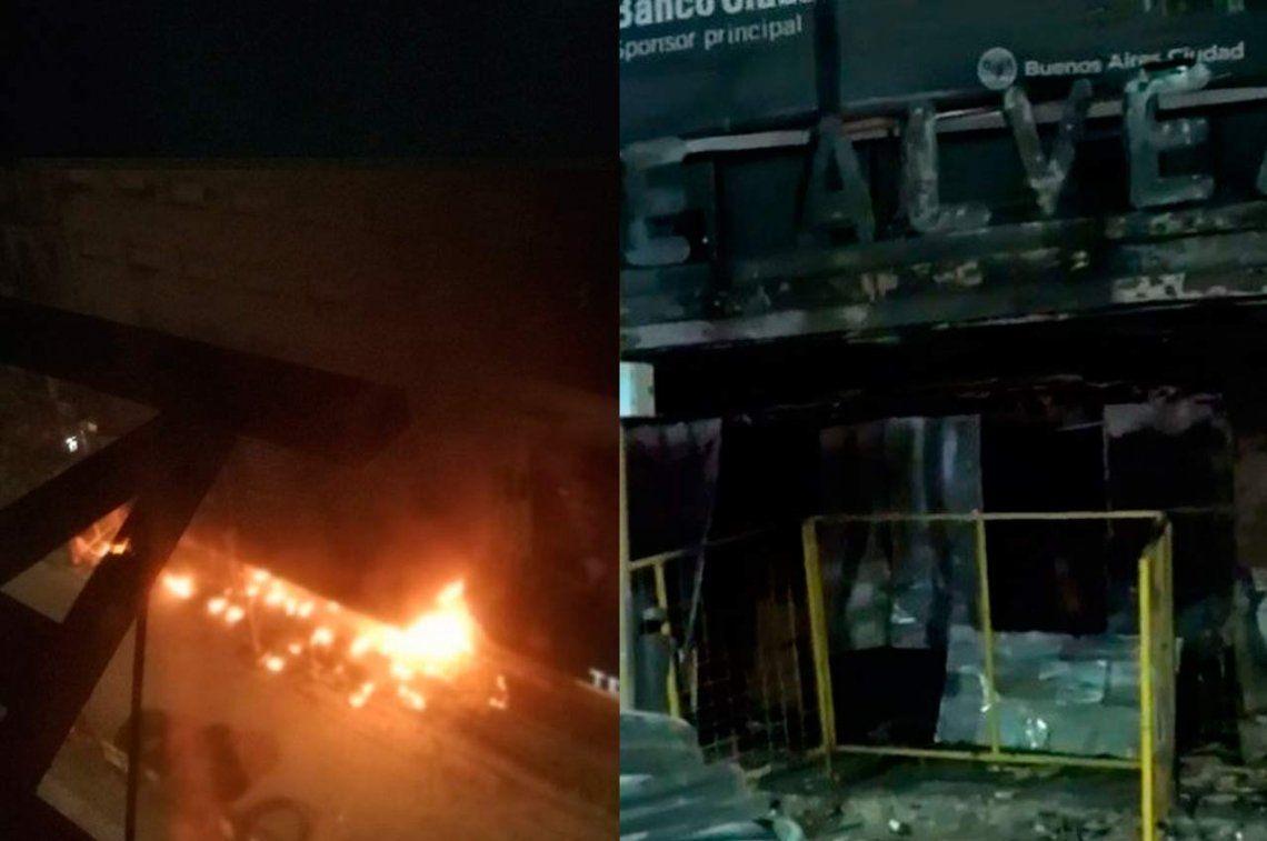 Se incendió la entrada del Teatro Presidente Alvear