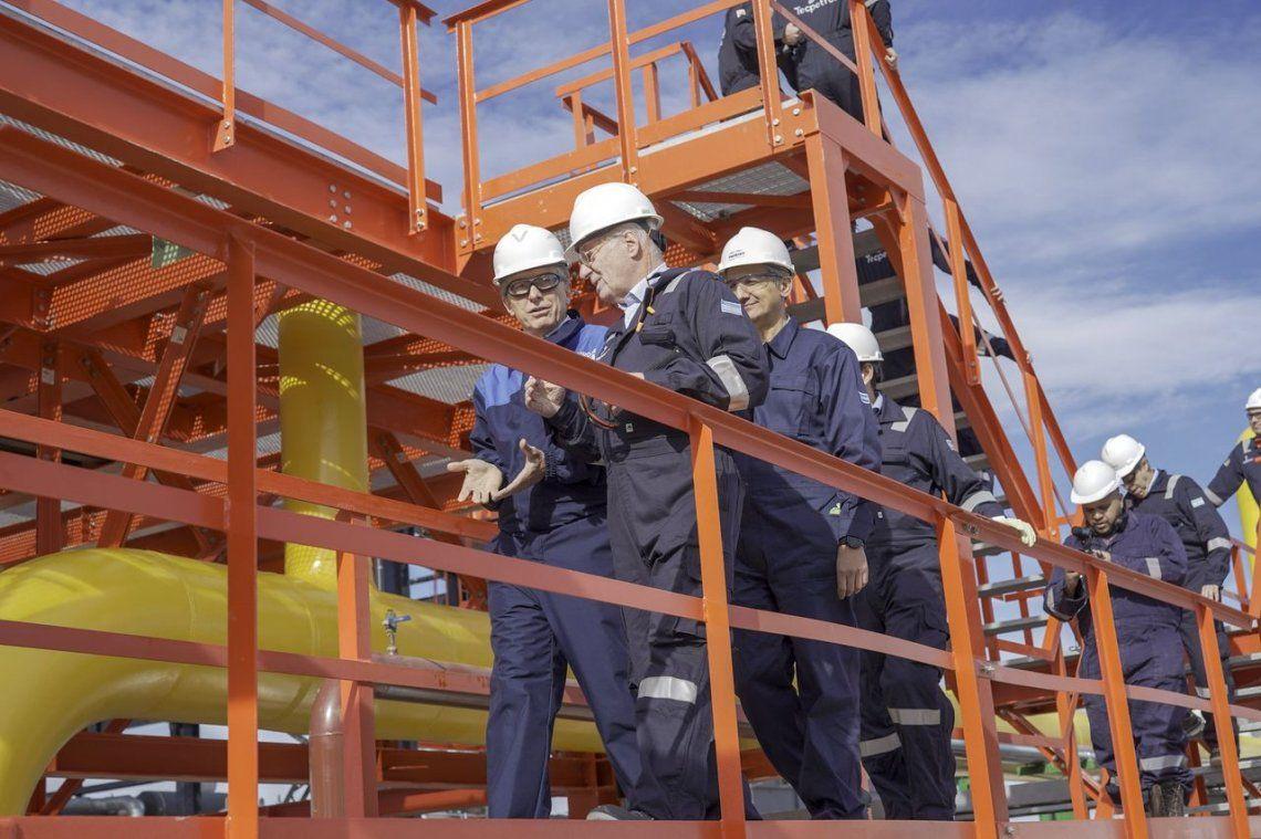 Junto a Paolo Rocca, Macri inauguró una planta de procesamiento de gas en Vaca Muerta