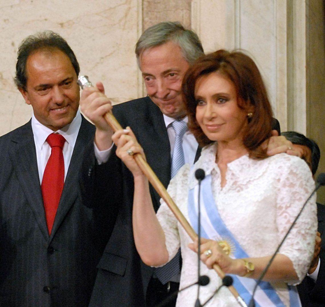 Tras la queja de Cristina Kirchner, Bonadio devuelve las bandas y bastones presidenciales