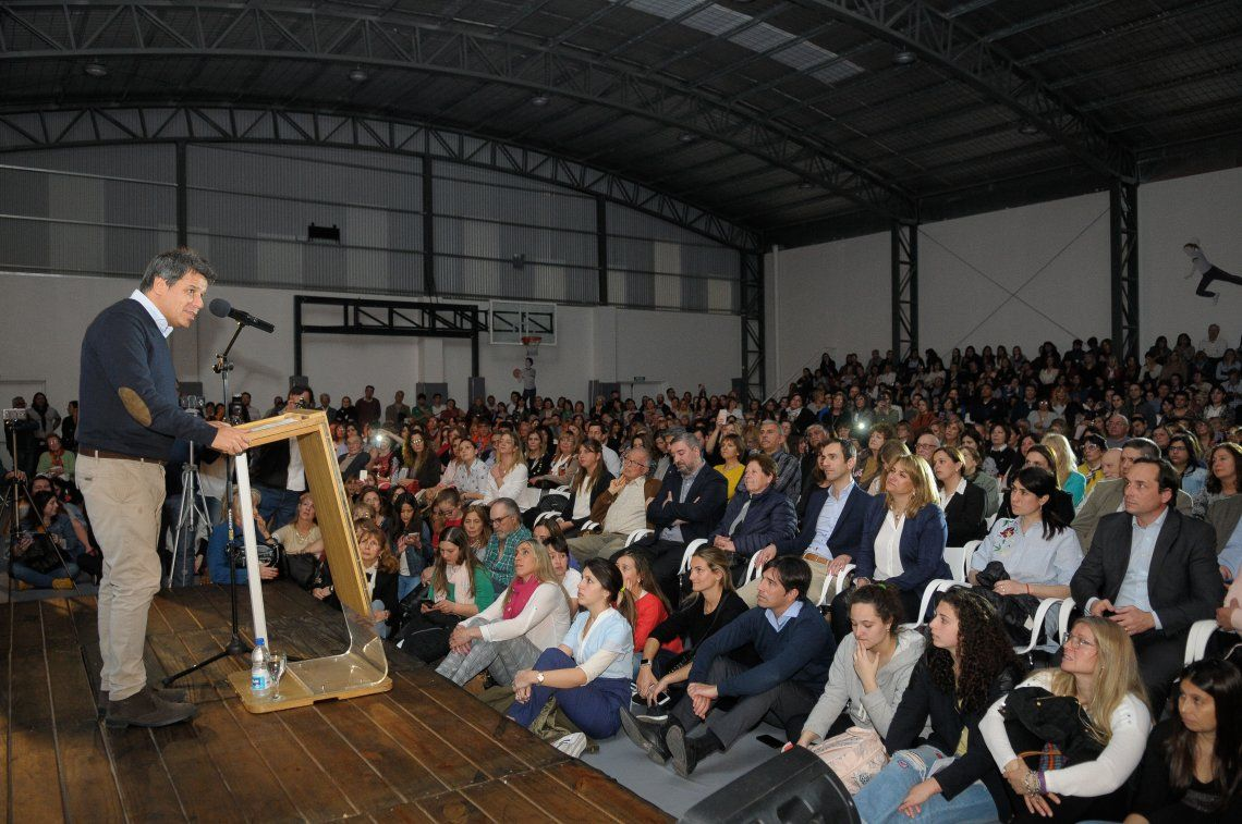 Facundo Manes resaltó el valor de la educación y salud públicas