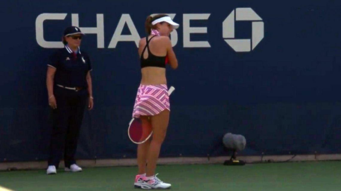 Escándalo sexista en el US Open: tenista se quitó la remera y la sancionaron por exhibicionismo