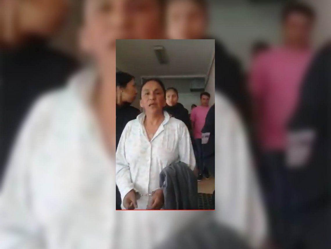 Esposada y en pijama, Milagro Sala fue trasladada a los tribunales de Jujuy