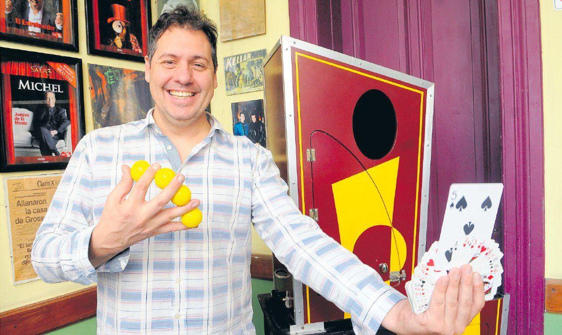 Adrián, un mago en el arte de sacar ases de la manga