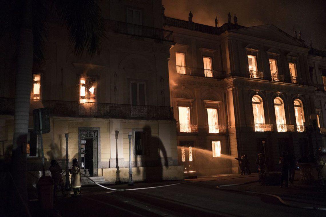 Las impactante fotos del incendio en el Museo Nacional de Rio de Janeiro