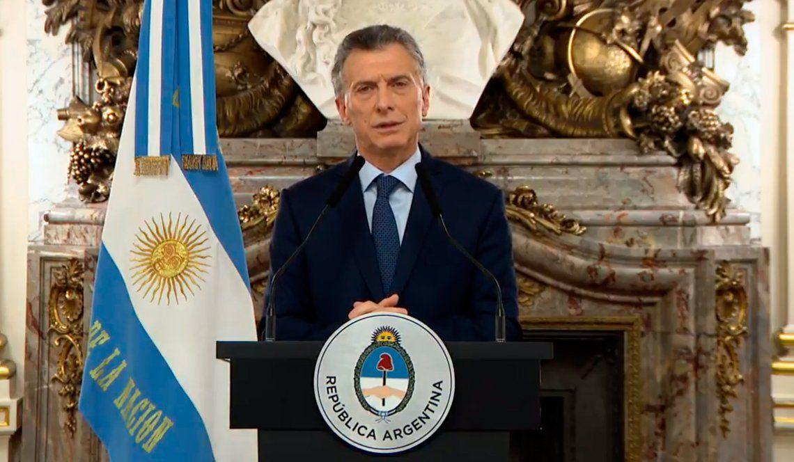 Mauricio Macri confirmó retenciones, anunció medidas y reconoció: Estamos en emergencia
