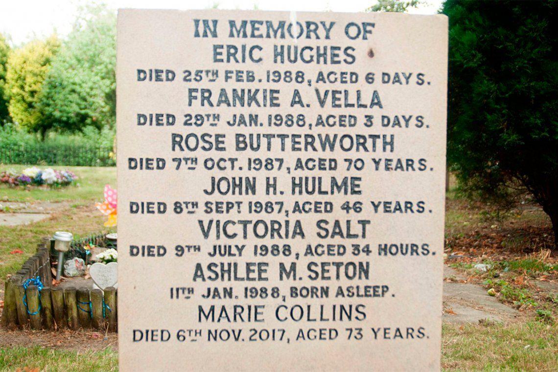 Lloró a su hija en una tumba equivocada durante 30 años