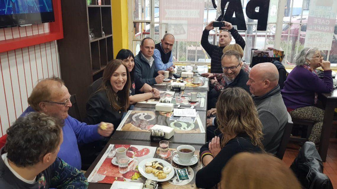 Vidal desayunó con vecinos y comerciantes de Ciudadela