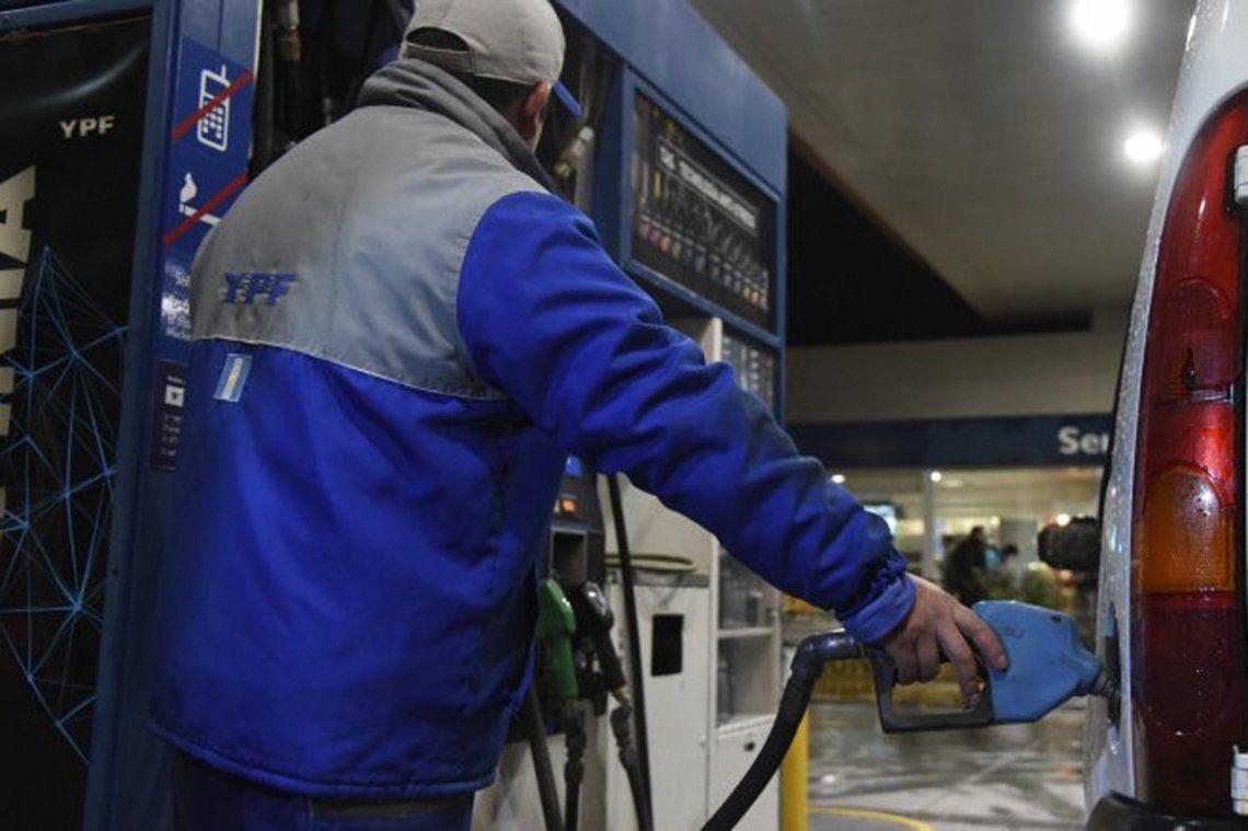 Las naftas volvieron a aumentar:  YPF y Axion se sumaron a Shell