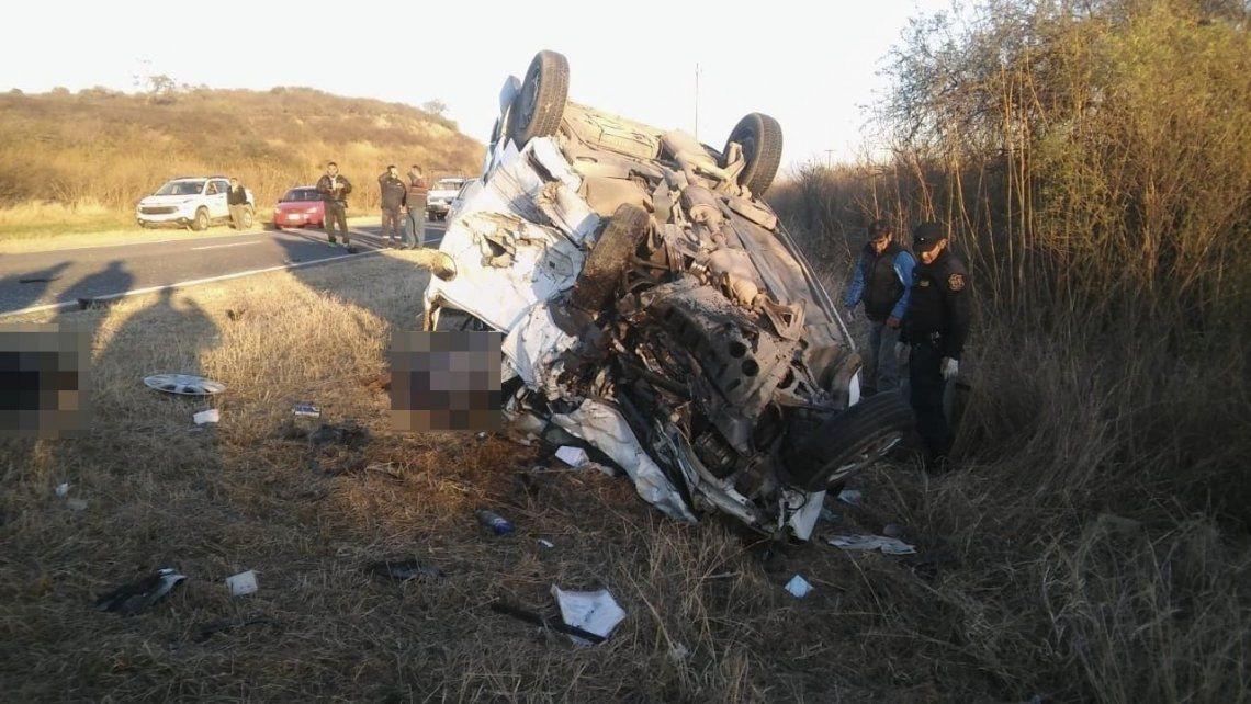 Ocho muertos y dos heridos graves por un choque en Salta