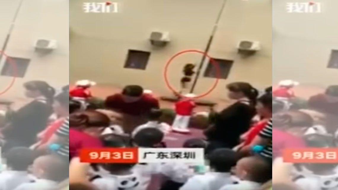 China: echan a la directora de un jardín de infantes por inaugurar el colegio con el baile del caño