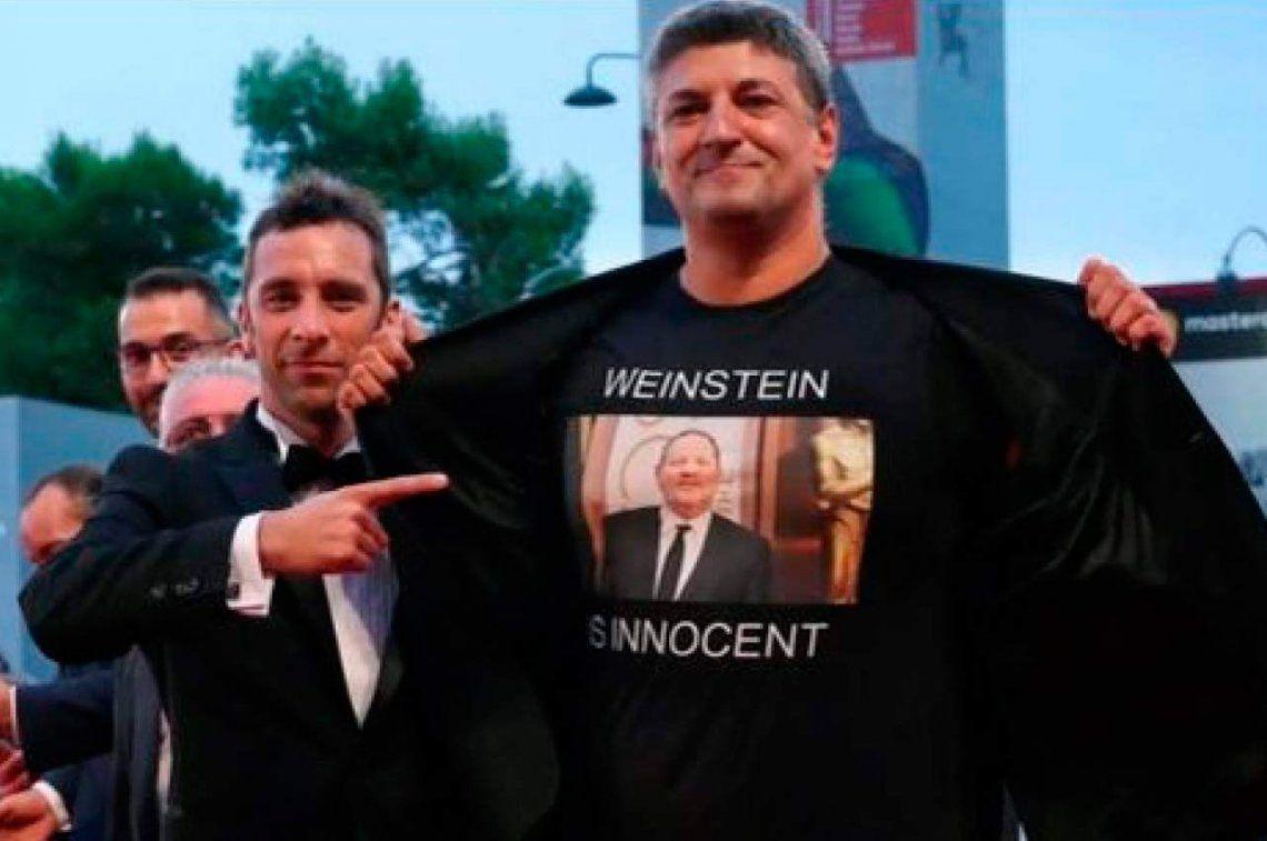 Weinstein es inocente: provocadora camiseta de un director italiano en Venecia