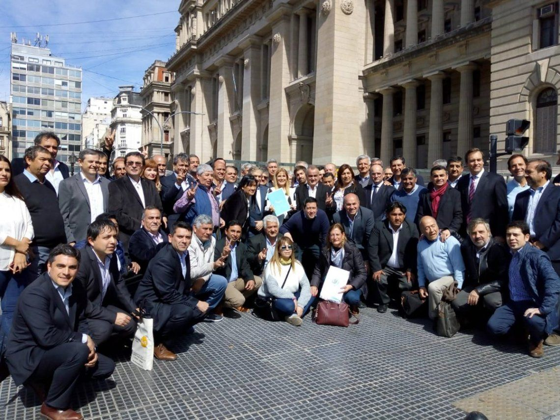 Ofensiva de intendentes bonaerenses peronistas contra el aumento de gas