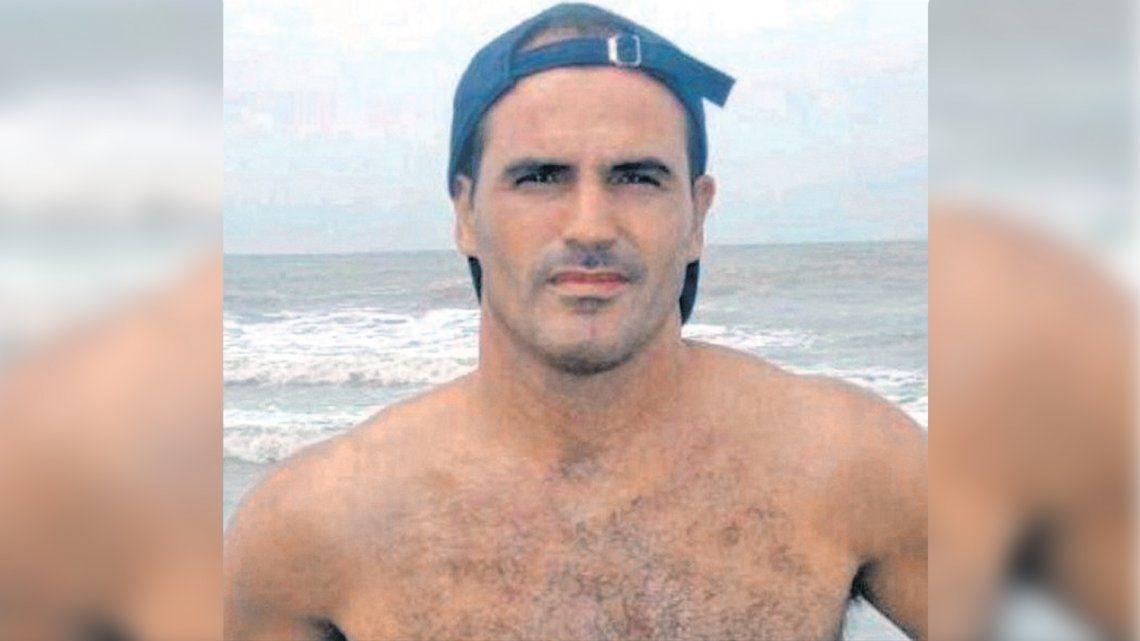Balearon a un ex futbolista en un intento de asalto