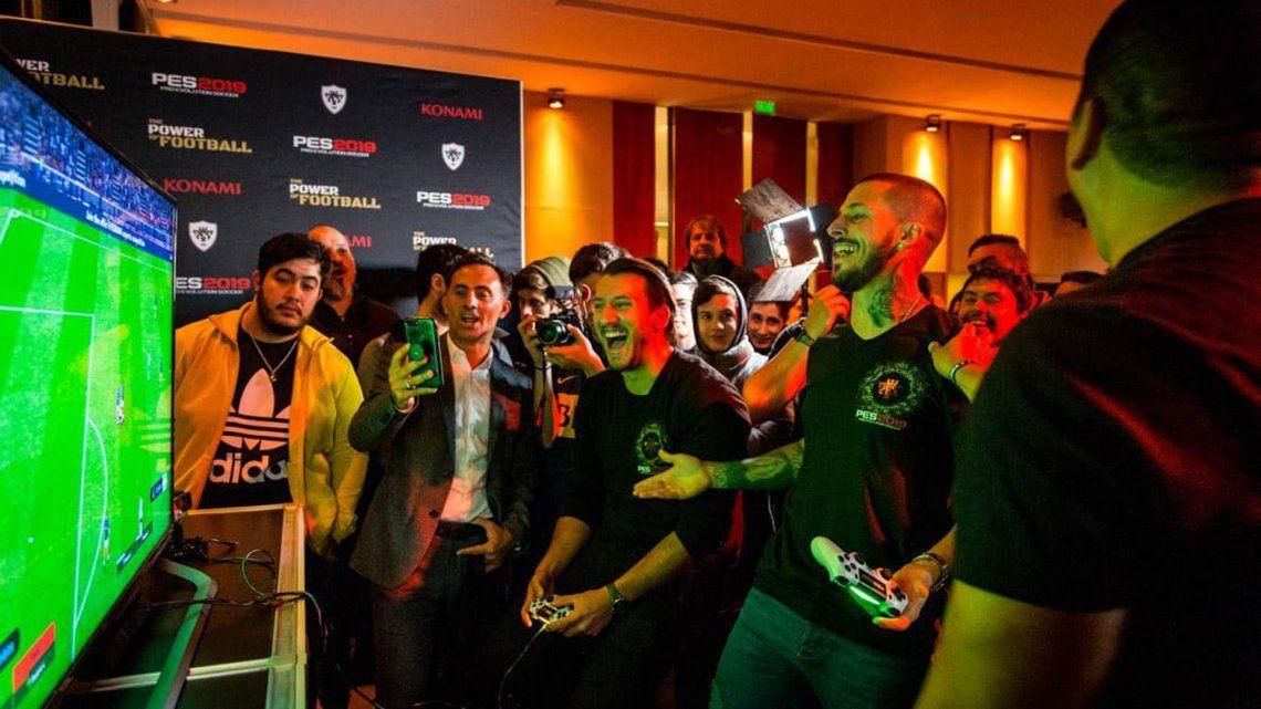 Quiénes son los futbolistas de la Superliga que forman el equipo ideal para los nuevos PES y FIFA