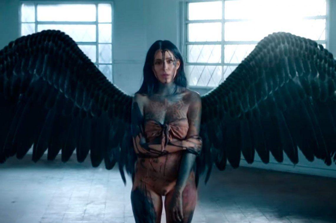 Impactante: el nuevo video de Cande Tinelli en el que aparece sin tatuajes