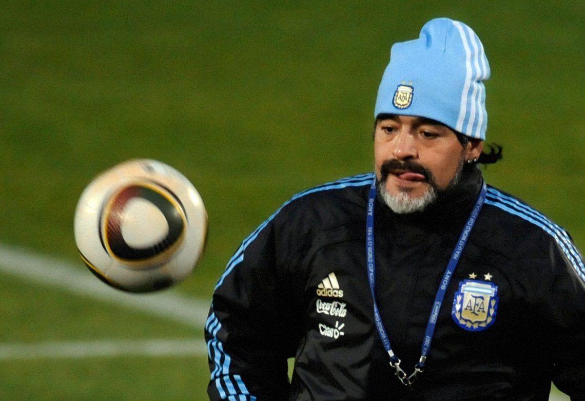 Maradona aún no encontró su lugar