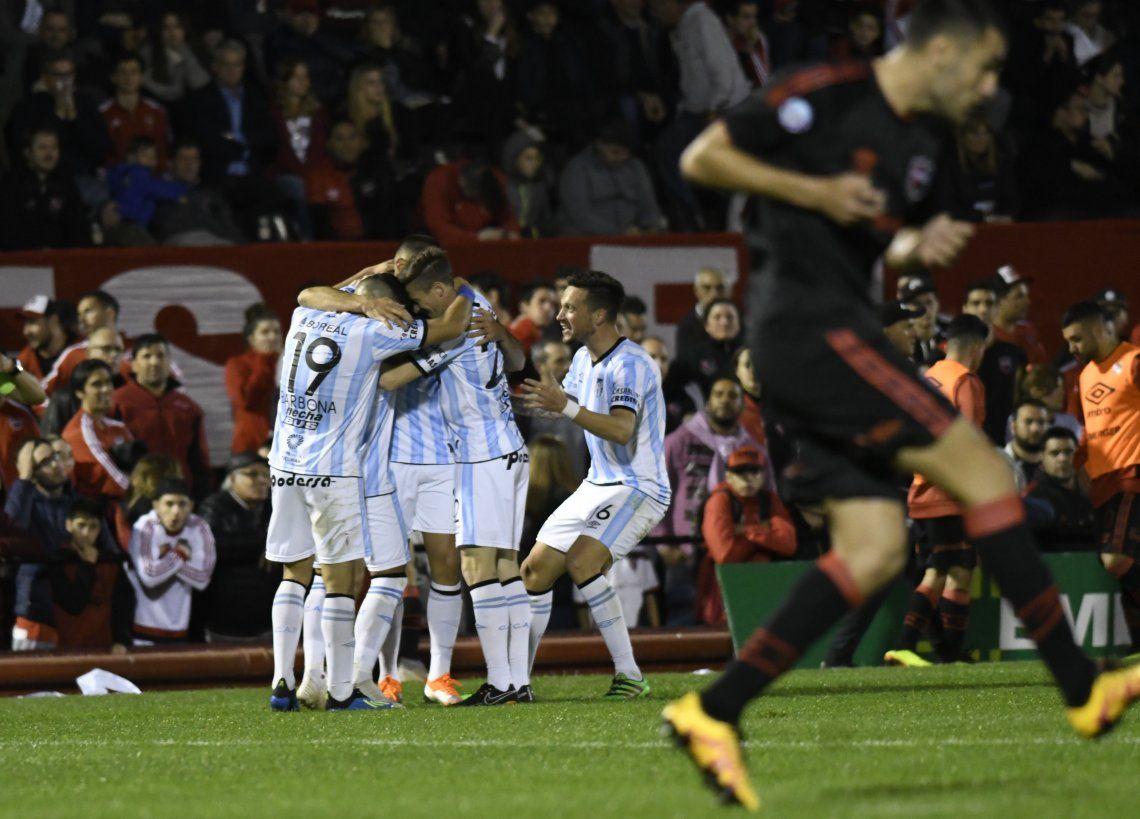 Newells le ganó por penales a Atlético Tucumán y pasó a cuartos