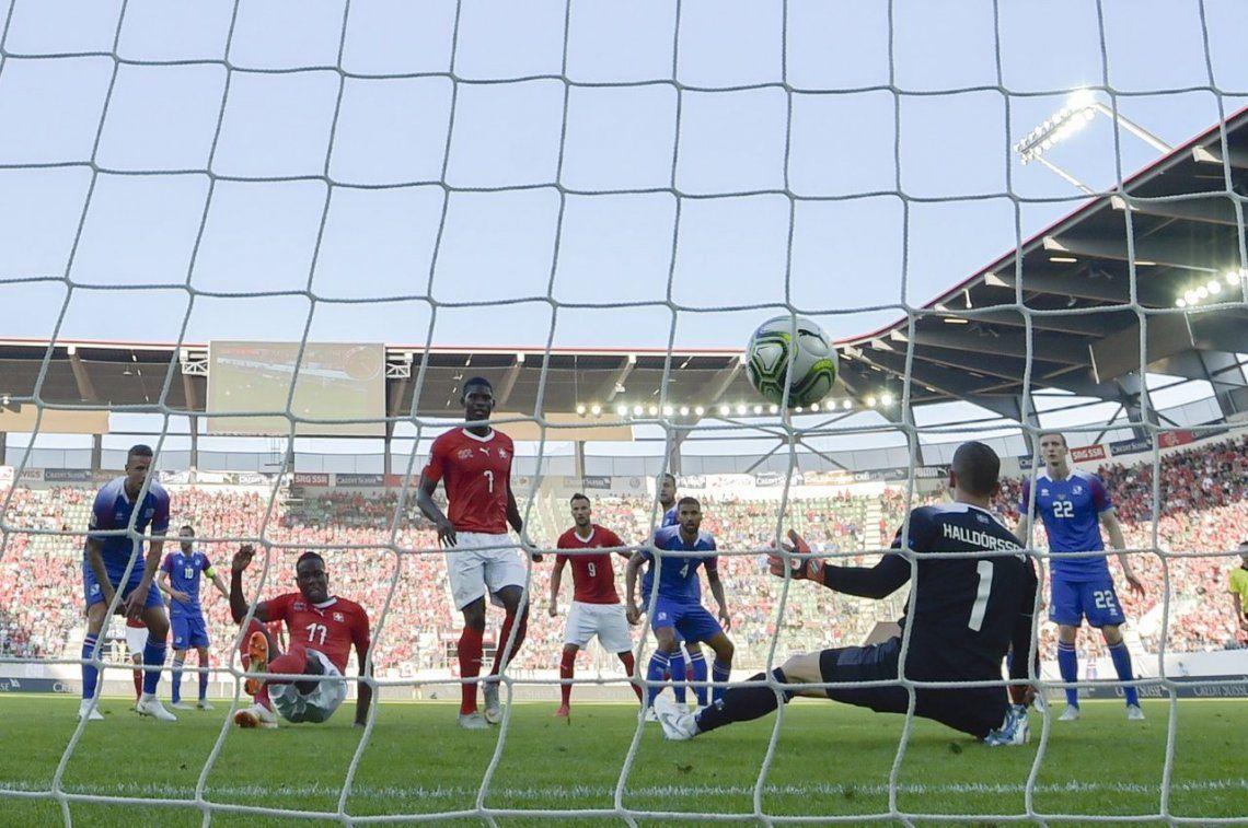 Islandia, que le sacó un empate a Argentina en el Mundial, se comió ¡seis! ante Suiza