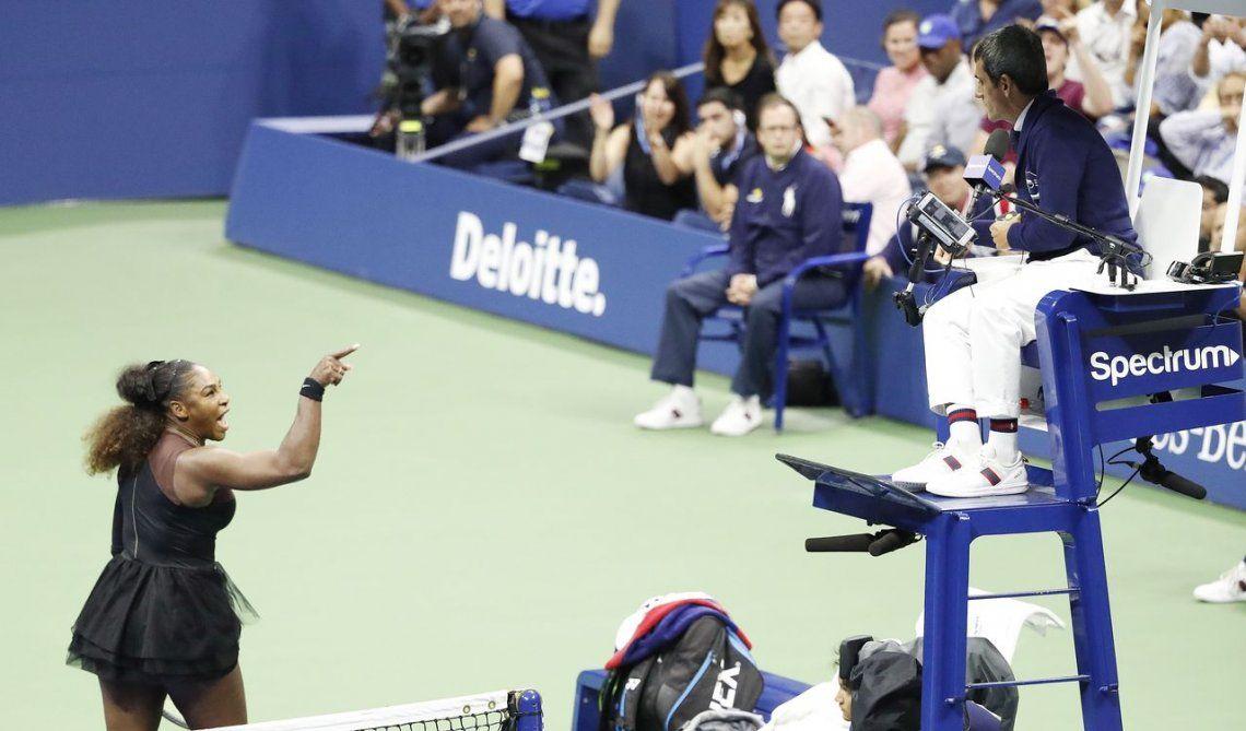 El escándalo de Serena: llamó ladrón al juez y perdió la final con Osaka