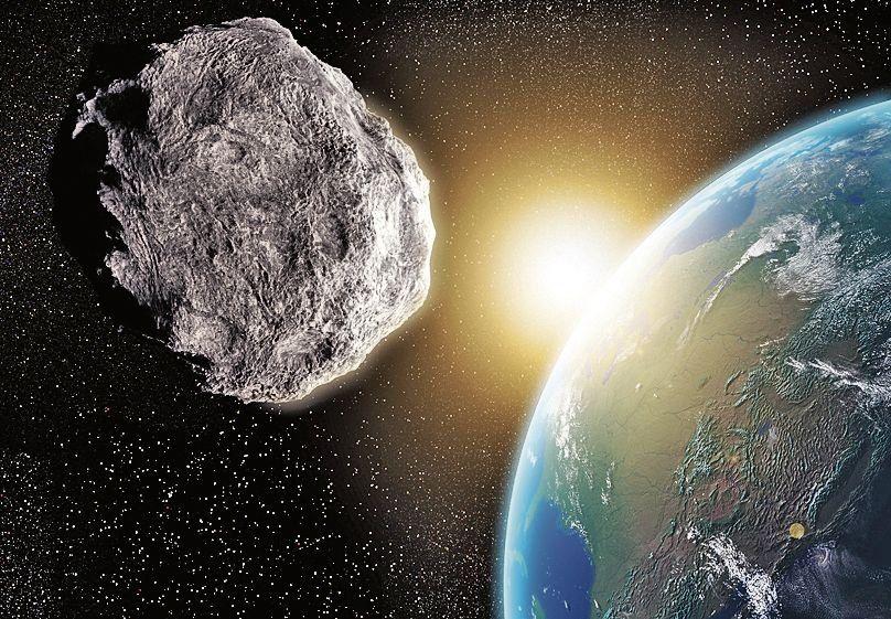 dEl asteroide estará a casi la mitad de la distancia entre la Tierra y la Luna.