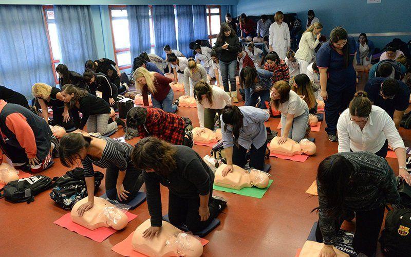Mega curso de RCP en el Hospital Garrahan
