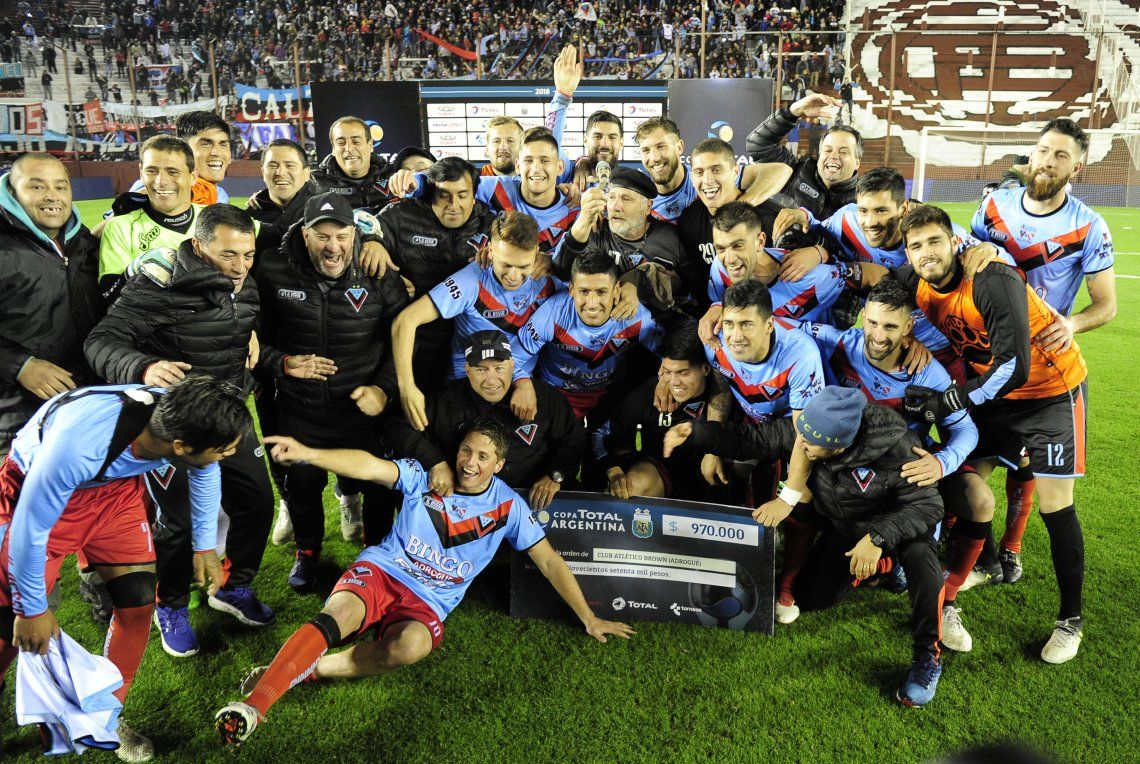 Brown de Adrogué eliminó por penales de la Copa Argentina a Independiente