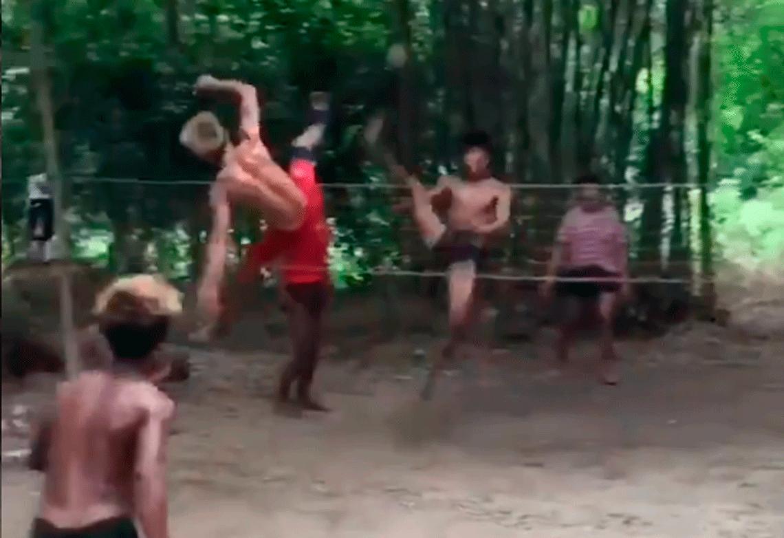 El partido de Sepaktakraw que sorprendió al mundo: vuelos, saltos y levitaciones a lo Matrix