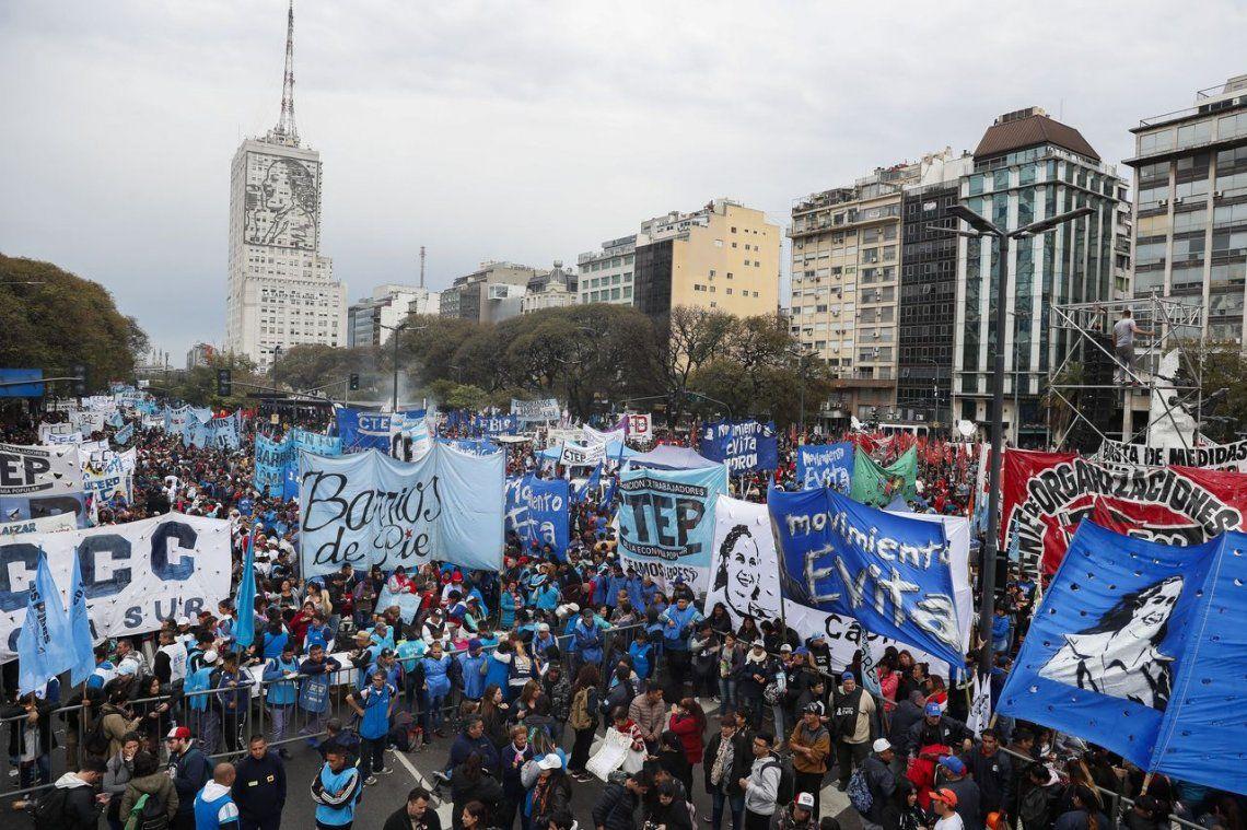 Gremios y organizaciones sociales marcharon al centro porteño