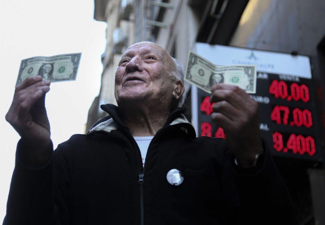 El dólar, imparable: cerró a $40,51