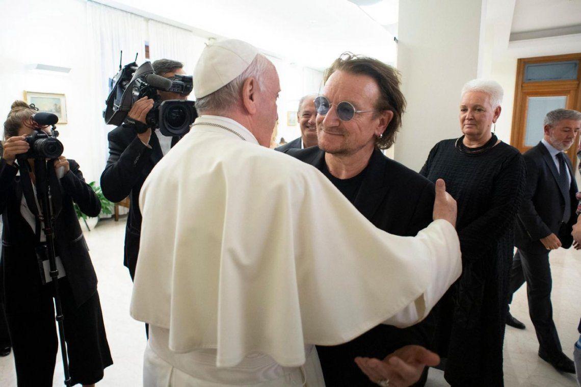 Bono, tras su reunión con el Papa Francisco: Vi el dolor en su rostro