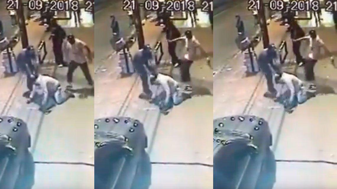 Video | San Justo: el momento en el que una patota mató a un vendedor ambulante